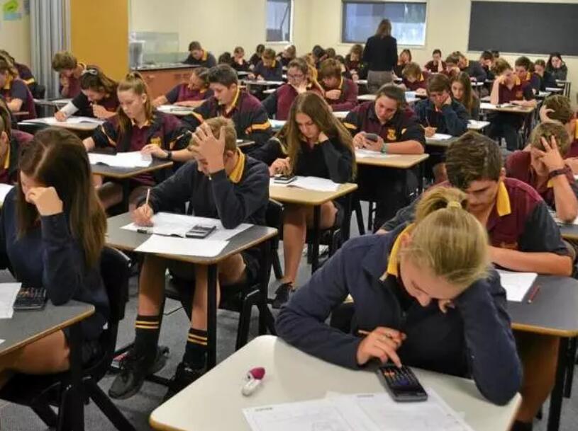 """侨外澳洲移民:澳洲高考放榜,华人子女霸屛!怎么做才能去澳洲当""""高考状元""""?"""